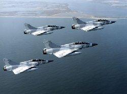 فرنسا ترسل مقاتلات جديدة الإمارات 00_50-thumb2.jpg