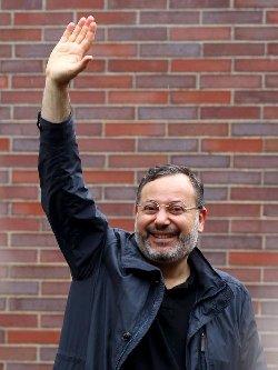 منصور يشكر اردوغان وأوغلو 10153803_833187346802405_5769553379009767410_n-thumb2.jpg