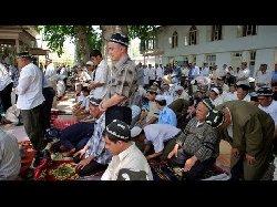 حكومة طاجيكستان تغلق مدارس إسلامية 11_287-thumb2.jpg