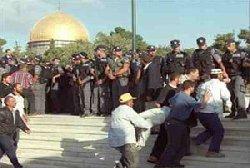 بدون مقدمات لماذا يهاجم الصهاينة 20091025-104325_h251