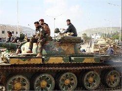 الجيش الحر يقطع طرق الإمداد عن موقع عسكري استراتيجي للأسد