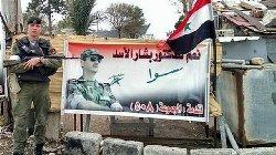 ماذا تدخل روسيا العسكري بسورية 22_russian_soldiers_makes_a_selfie_in_syria-thumb2.jpg