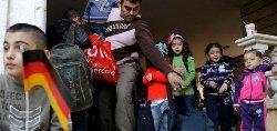 هناك لتنصير اللاجئين لأوروبا 25032745605935-thumb2.jpg