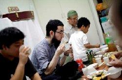 """مسلمو """"اليابان"""" يتلقون رسائل تهديد 4118-thumb2.jpg"""