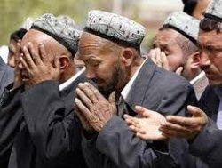 الصين تقضي بإعدام اثنين من مسلمي تركستان الشرقية 5002551033087-thumb2