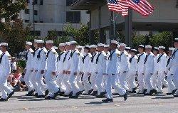أمريكا تحتجز ضابطا البحرية بتهمة 566_11-thumb2.jpg