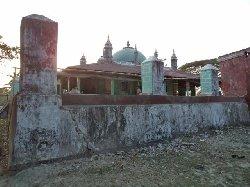 حكومة ميانمار تلاحق المساجد وتقاضي 67_60-thumb2.jpg