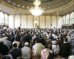 بناء أكبر مسجد بريطانية 67_7-thumb2.jpg