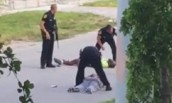 الشرطة الأمريكية تطلق الرصاص طبيب 777_38-thumb2.jpg