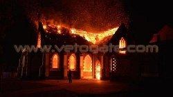 حريق متعمد يدمر مسجدًا كبيرًا 8005-thumb2.jpg
