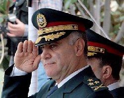 تمديد ولاية قائد الجيش اللبناني 888_3-thumb2.jpg