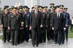 استقالة اثنبن كبار القادة العسكريين 88_150-thumb2.jpg