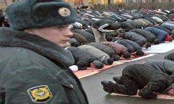 مجلة بولندية تهاجم المسلمين وتصفهم 99_73-thumb2.jpg
