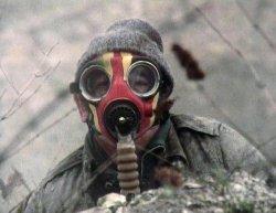 حالات اختناق برفح المصرية بسبب Gas_mask-thumb2.jpg