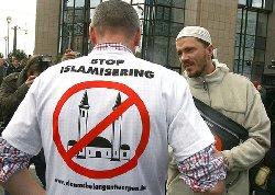 أوروبا الحقيقي تجاه المسلمين _54414_islamog-thumb2.jpg