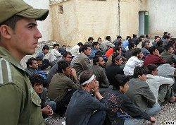 استغلال إيران بطالة الشباب الأفغاني afghan-refugees-in-iran-thumb2.jpg