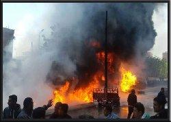 اشتعال النيران بشاحنة محملة بالوقود alexff-thumb2.jpg