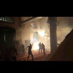 محتلون صهاينة يحاولون قربان بالمسجد aqsaclash_10-thumb2.jpg