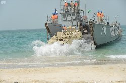 البحرية الإيرانية تحذر نظيرتها السعودية be222084-41f6-43fc-bff7-aaf4ac58d3aa-thumb2.jpg