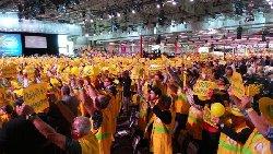 ماذا المشاركة بمؤتمر المعارضة الإيرانية crop,700x395,2636566747-thumb2.jpg