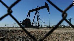 توقع ارتفاع أسعار النفط gal.oil.pump-thumb2.jpg
