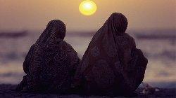 ألماني يدرج ارتداء الحجاب برنامجه hijab_11-thumb2.jpg