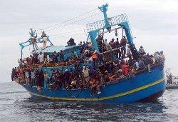 البحرية الإسبانية تنقذ مهاجرًا بالمتوسط hijraanot_18-thumb2.jpg