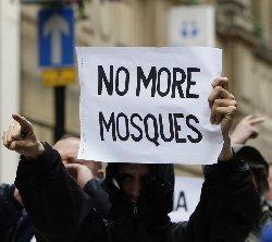تراجع أعداد حركة بيغيدا المعادية islamophobia-britian_7-thumb2.jpg