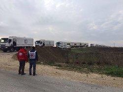دخول دفعة المساعدات مضايا mdayaredcroosss-thumb2.jpg