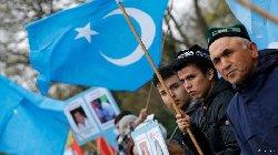 الصين تخفف عقوبات مسلمًا oughour_3-thumb2.jpg