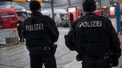 الشرطة الألمانية تقتحم مطعمًا تحصن polizi_1-thumb2.jpg