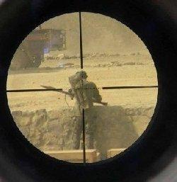 ثلاثة جنود للاحتلال بالخليل sniper_1-thumb2.jpg
