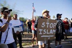 مظاهرات معادية للاسلام بهولندا stop_1-thumb2.jpg
