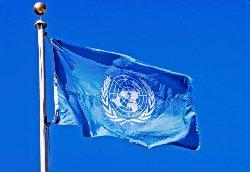 يدعو لحظر تصدير الأسلحة جنوب un-flag-flying-pole-blue-sky-behind-it6082_1-thumb2.jpg