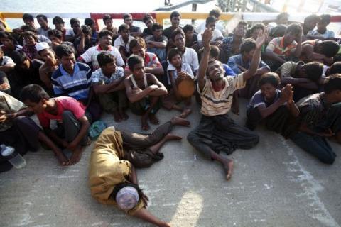 لاجئة أراكانية تروي الجيش البورمي burma_0.jpg?itok=fHCTXuzN